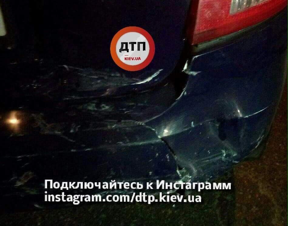 В Киеве произошло тройное ДТП с нетрезвым водителем (Фото)