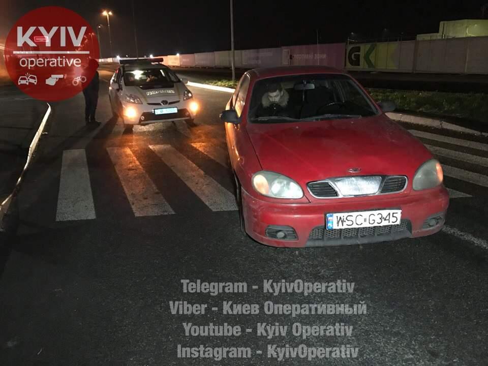 В Киеве на «зебре» сбили женщину с двумя детьми (фото)