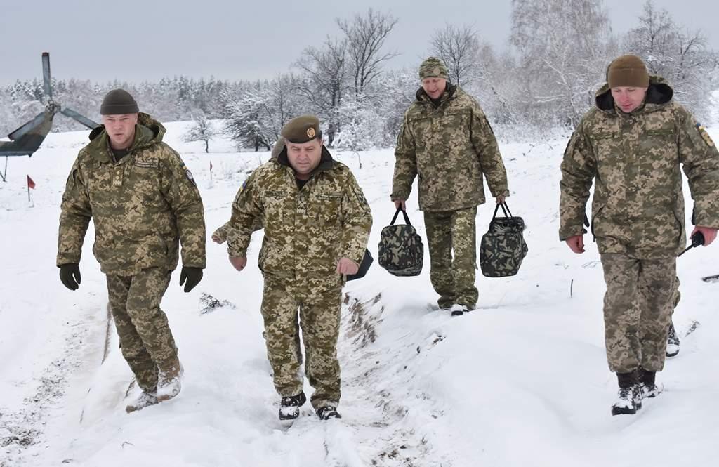 Министр обороны Украины посетил зону проведения АТО (фото, видео)