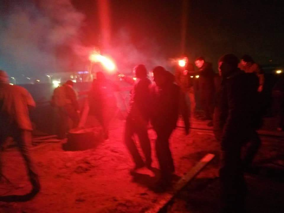 В столице активисты остановили незаконную стройку (Фото)
