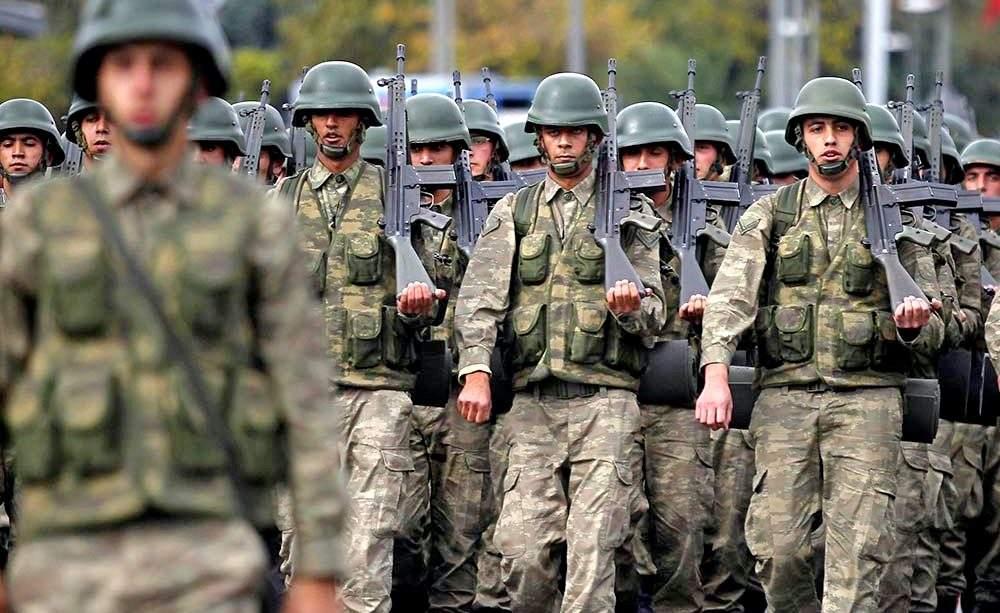 Власти Турции выдали ордер на арест более 300 военнослужащих