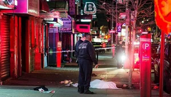 В США очередная кровавая трагедия: автомобиль въехал в толпу пешеходов (фото)
