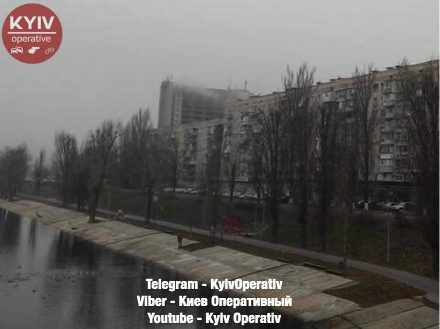 В столице вспыхнула гостиница (Фото)