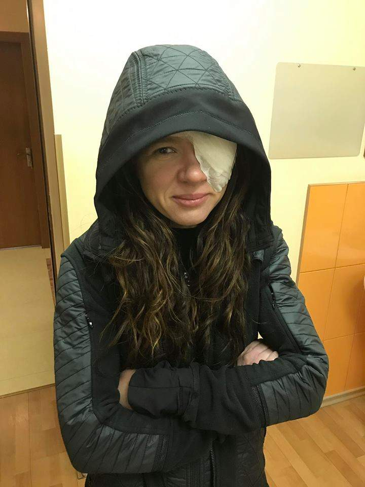 Руслана перенесла серьезную операцию на глазу (фото)