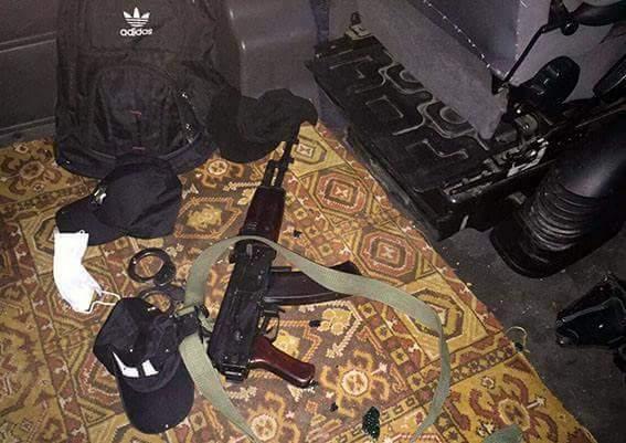 Правоохранители задержали преступников, переодевшихся в форму полицейских (Фото)