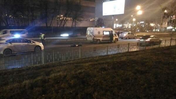 В Харькове автомобиль сбил насмерть молодого парня (Фото)