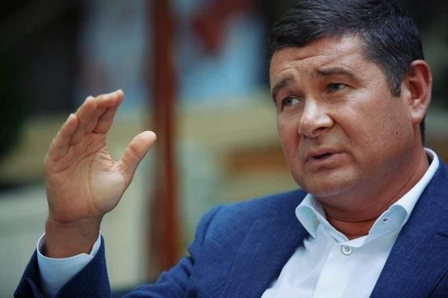 Суд удовлетворил ходатайство о заочном расследовании против нардепа Онищенко