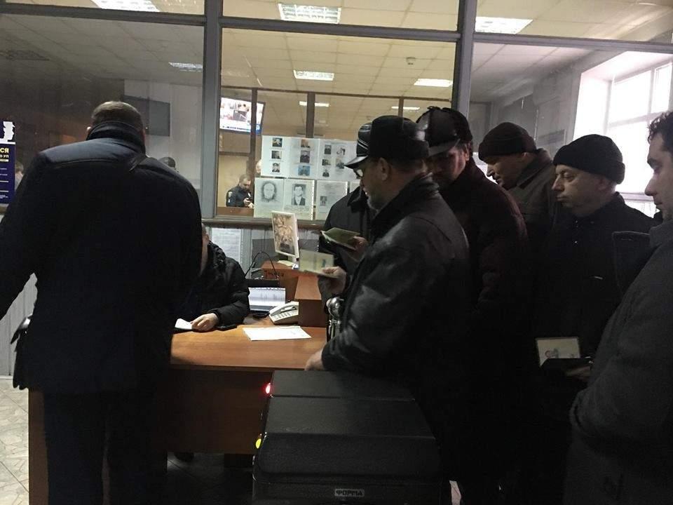 Депутат Каплин и его соратники штурмовали Министерство юстиции в Киеве (фото)