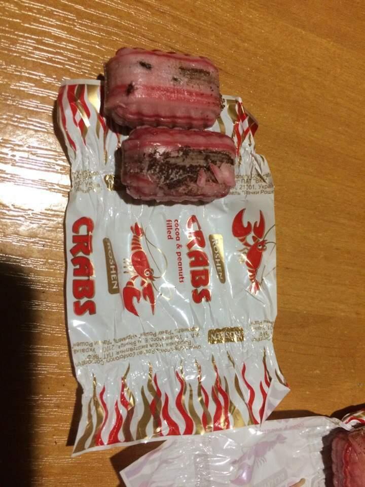 В Одессе покупатель приобрел червивую карамель от