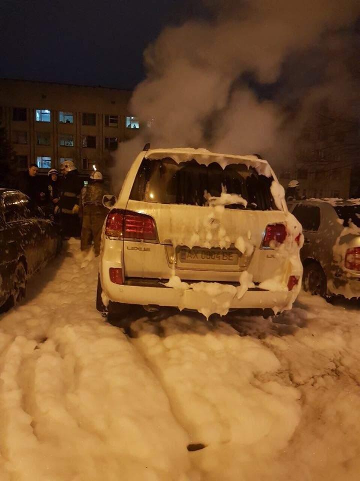 В Харькове сожгли авто мужа судьи, ведущей дело о ДТП на Сумской (Фото)