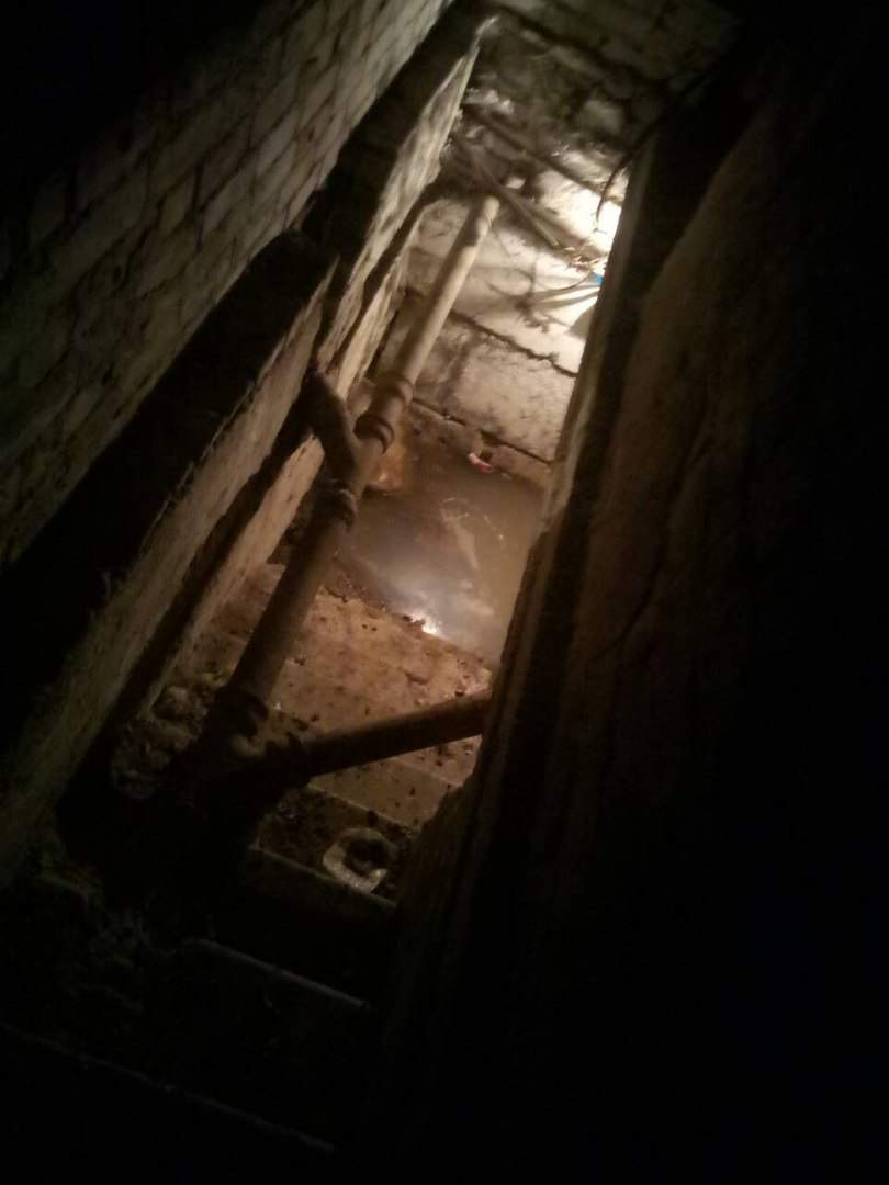 В Харькове  почти полностью затопило один из подвалов жилого дома (Фото)