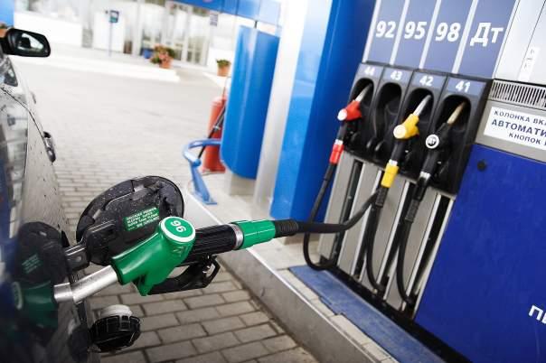 ОККО и WOG подозревают в завышении цен на бензин