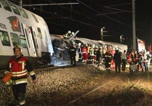 Смертельное столкновение поездов в Австрии: погибли несколько человек (видео)