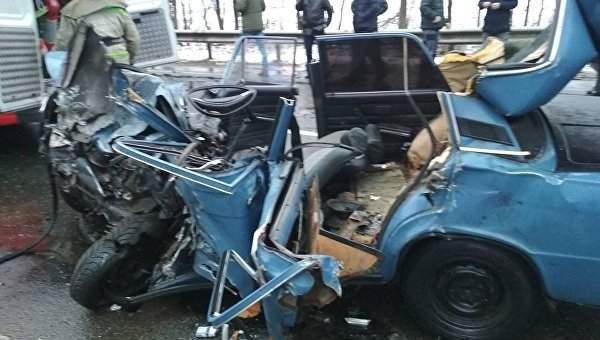 Во Львовской области   столкнулись легковушка и пассажирский автобус, пострадали 5 человек