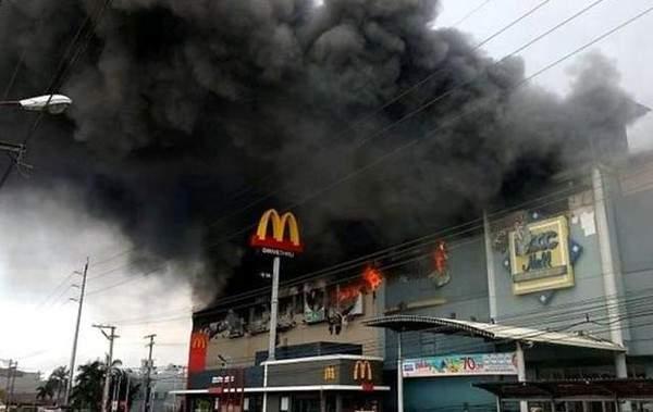 Масштабный пожар на Филиппинах: 37 погибших
