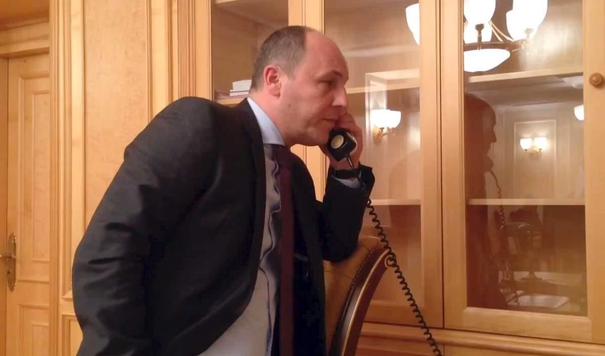 «Думал, что общается с главой Парламентской ассамблеи НАТО»: Парубий 40 минут разговаривал с роботом по телефону