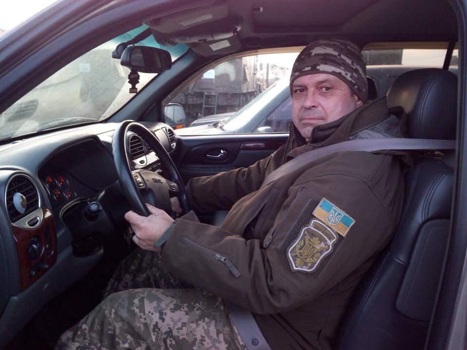 Украинские военные получили от волонтеров автомобиль (Фото)