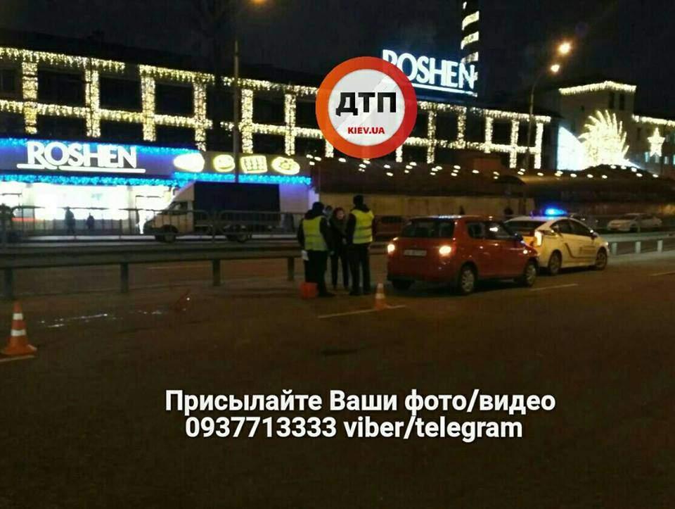 ДТП в Киеве: Один из водителей скрылся с места аварии (Фото)
