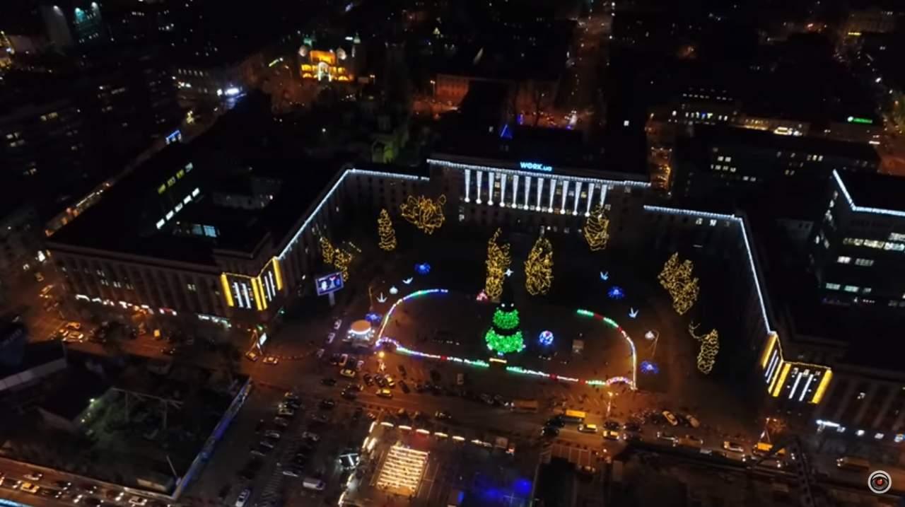 Елка и праздничный центр в Днепре с высоты птичьего полета (видео)