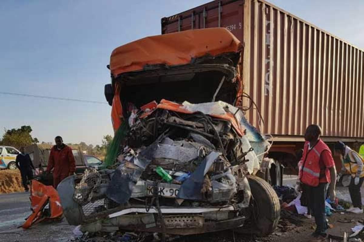 В Кении жертвами страшной автобусной аварии стали 36 человек