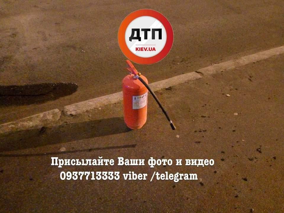 В столице на ходу вспыхнул автомобиль (Фото)