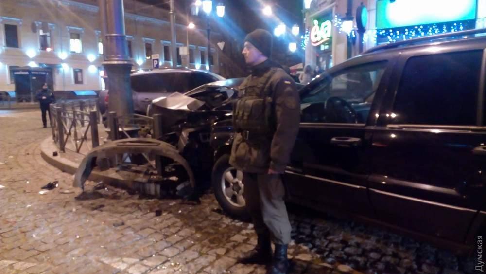 В Одессе неадекватный водитель устроил масштабное ДТП (фото)