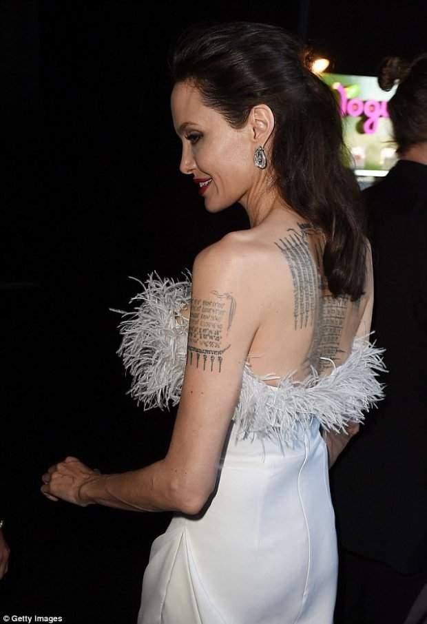Истощенная Анджелина Джоли поразила публику своей фигурой (Фото)