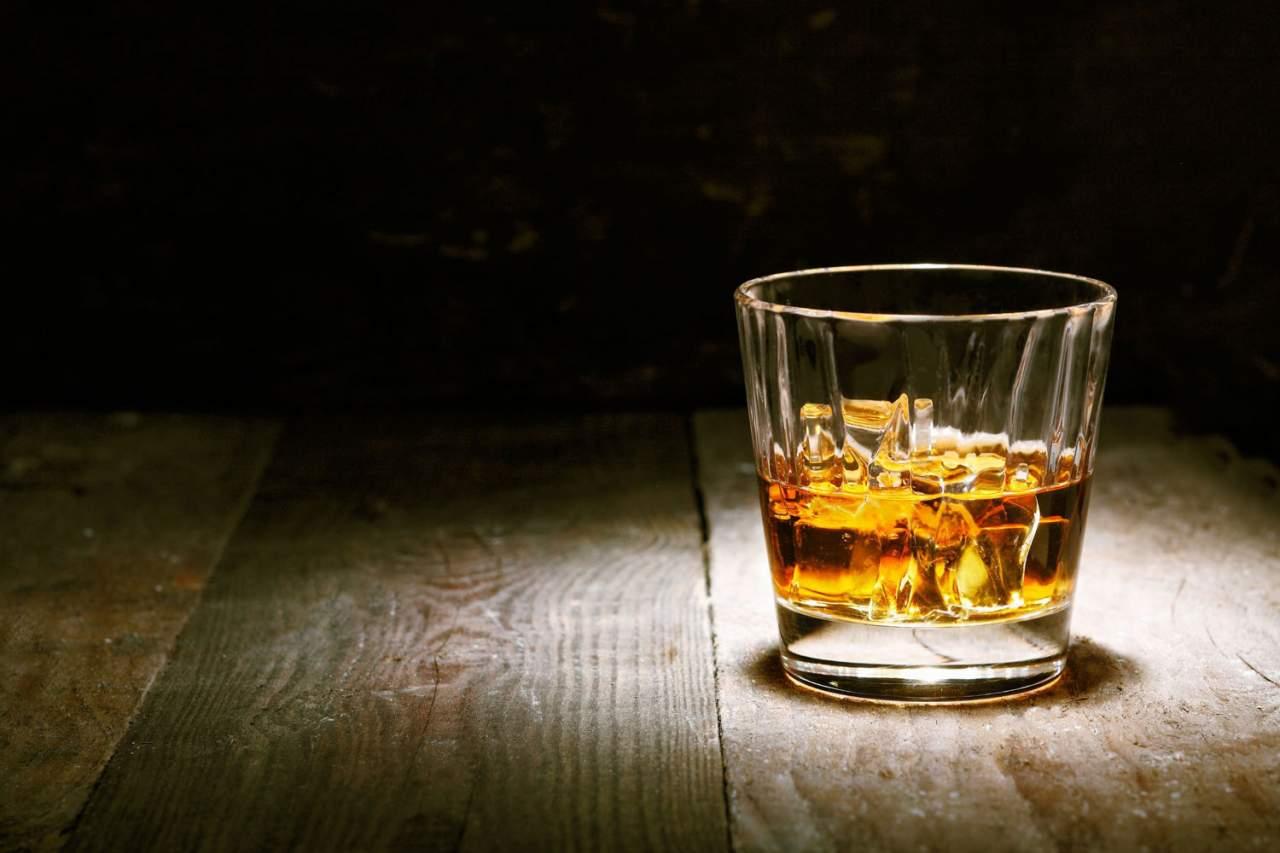 В Черкасской области злоумышленники продавали людям небезопасный алкоголь