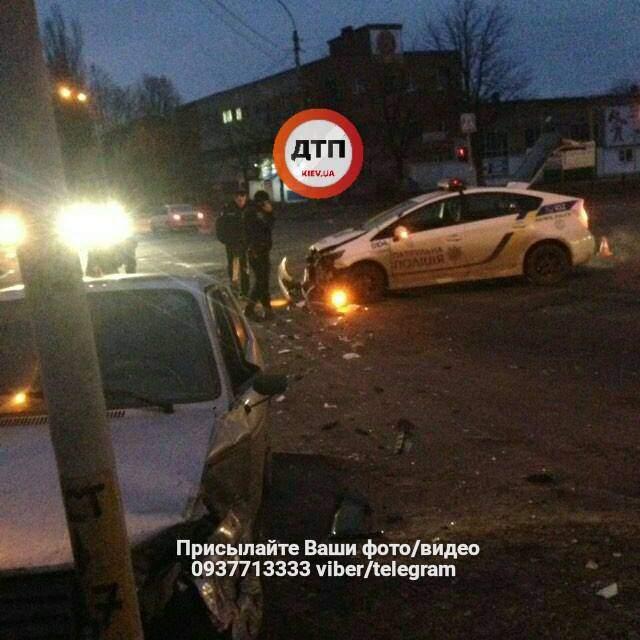 В Чернигове произошла серьёзная авария с участием полицейских (Фото)