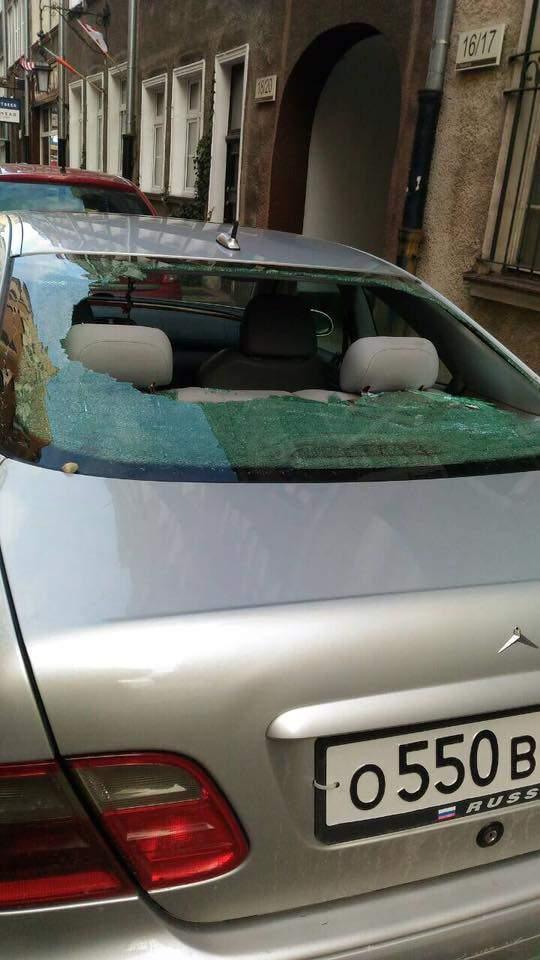 В центре польского Гданьска авто с номерами РФ забросали камнями (Фото)