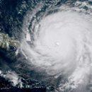 На Западную Европу обрушился мощнейший шторм: появились первые жертвы (видео)