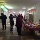 В Киеве в одной из больниц появилась торговая точка с колбасой (фото)