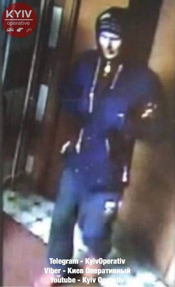 В столице неизвестный пытался в лифте убить девушку (Фото)