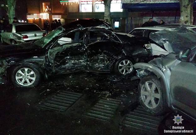 На Закарпатье произошло масштабное ДТП с участием 5-ти авто. Есть пострадавшие (Фото)
