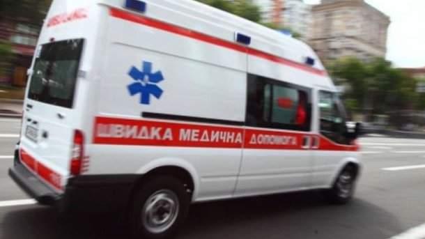 В Киеве грабители до полусмерти забили мужчину бутылкой (видео)