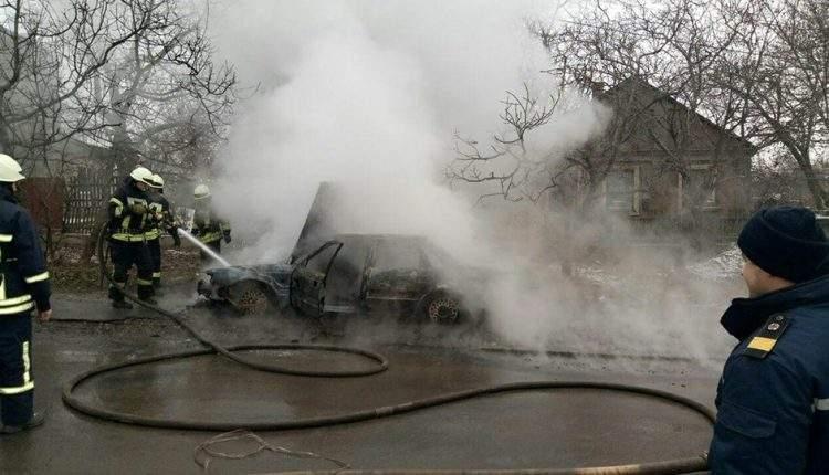 В Одессе сгорел дотла легковой автомобиль