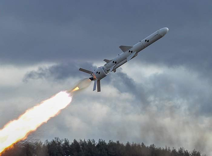Новый этап ракетной программы: Украина успешно испытала крылатую ракету наземного базирования (видео)