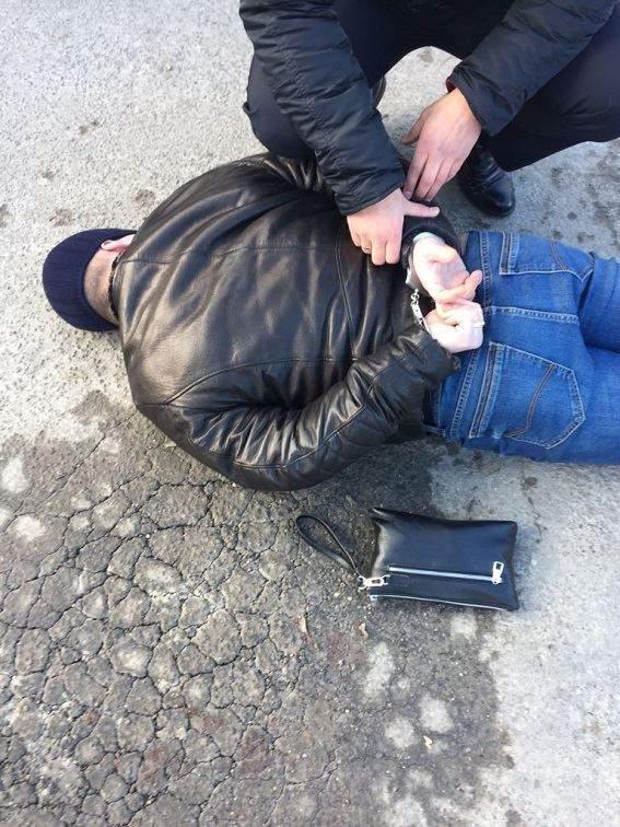 В Тернополе полиция задержала местных «рэкетиров», среди них  бывший чиновник милиции