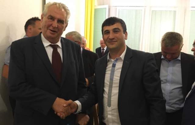 Украинские СМИ обвиняют Президента Чехии в сотрудничестве с Закарпатскими Русинами