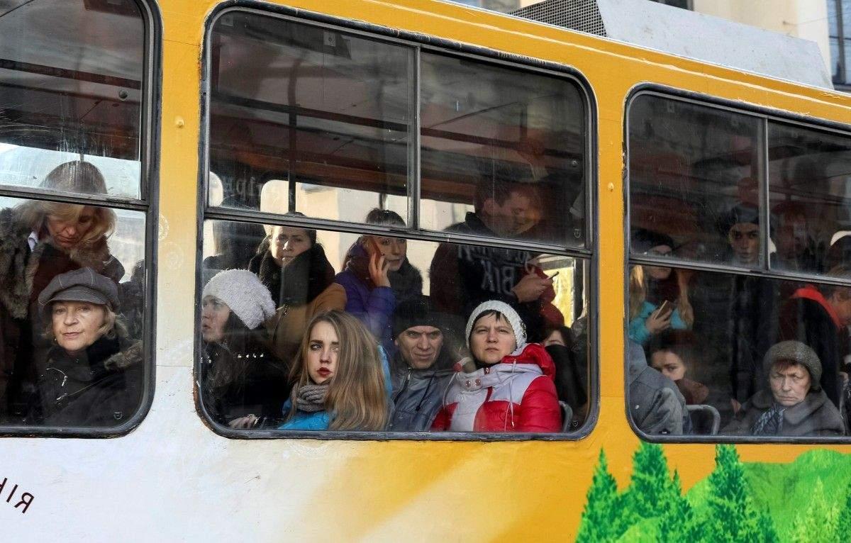МВФ считает, что пока не стоит поднимать зарплаты украинцам