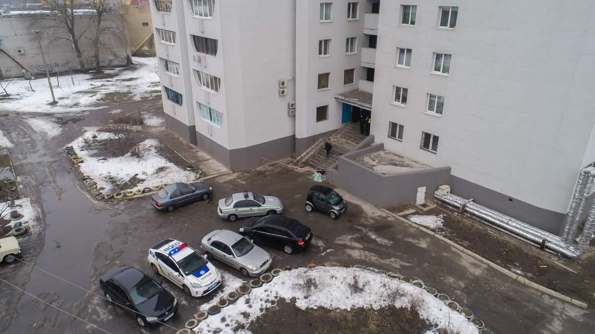 В Днепре женщина разбилась насмерть при падении с высоты 26-этажного дома (фото)