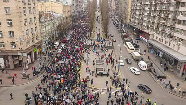 Полиция Киева предложила  Саакашвили изменить маршрут завтрашнего марша за отставку Порошенко