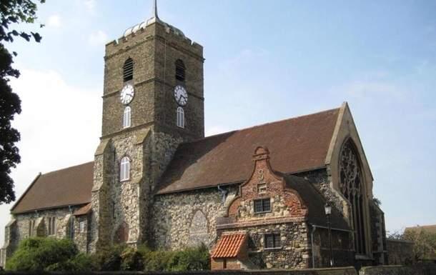 В Британии впервые  за 239 лет из-за шума запретили бить в колокола