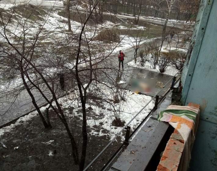 Пожилой харьковчанин выбросился из окна