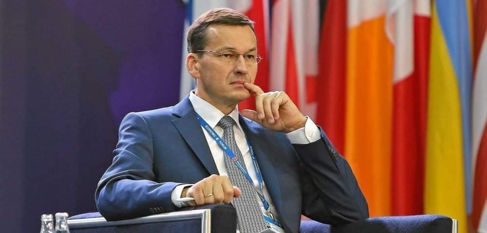 Премьер-министр Польши дал пояснения о причинах принятия резонансного закона