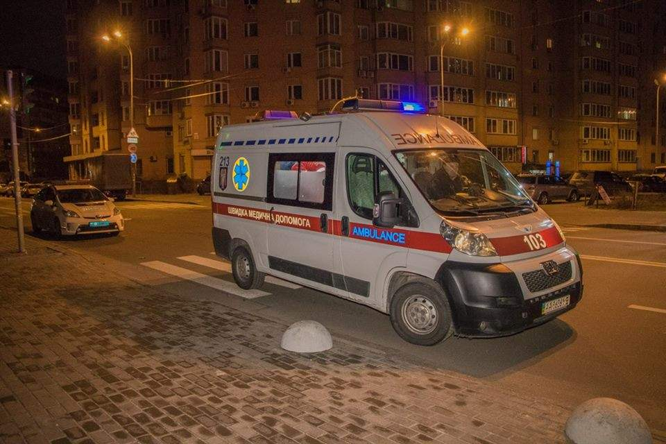 В одном из столичных дворов стреляли в мужчину (Фото)