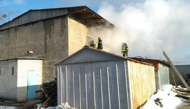 В Харькове разгорелся масштабный пожар