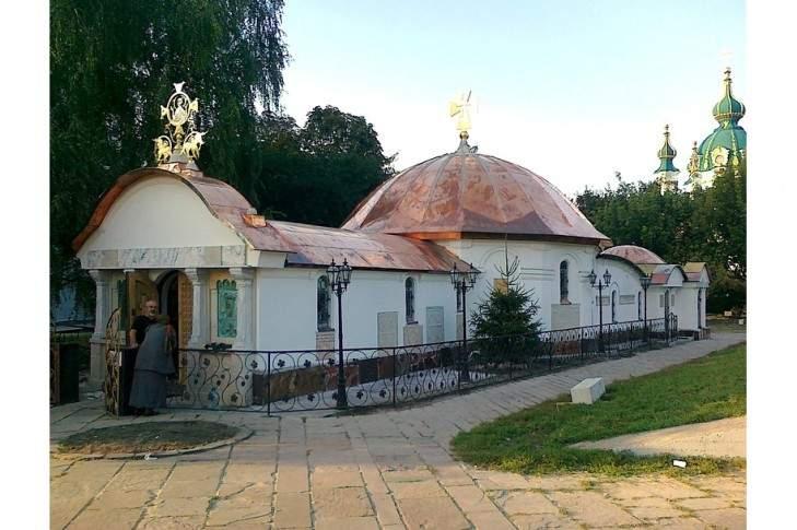 Мэр Киева поручил  рассмотреть электронную петицию о сносе Десятинного монастыря