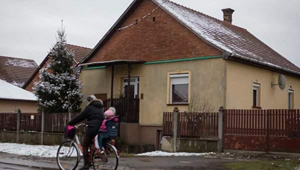В Венгрии полиция задержала чиновников, которые подделывали документы для украинцев