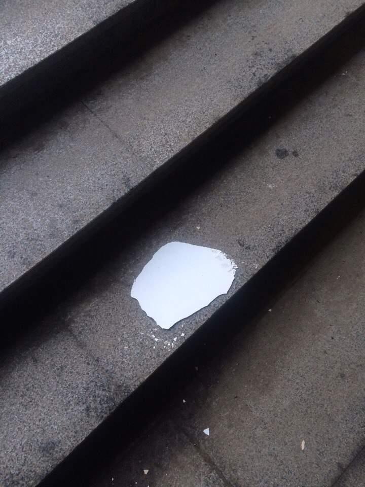 В Харькове уже разрушается недавно отремонтированный подземный переход (фото)